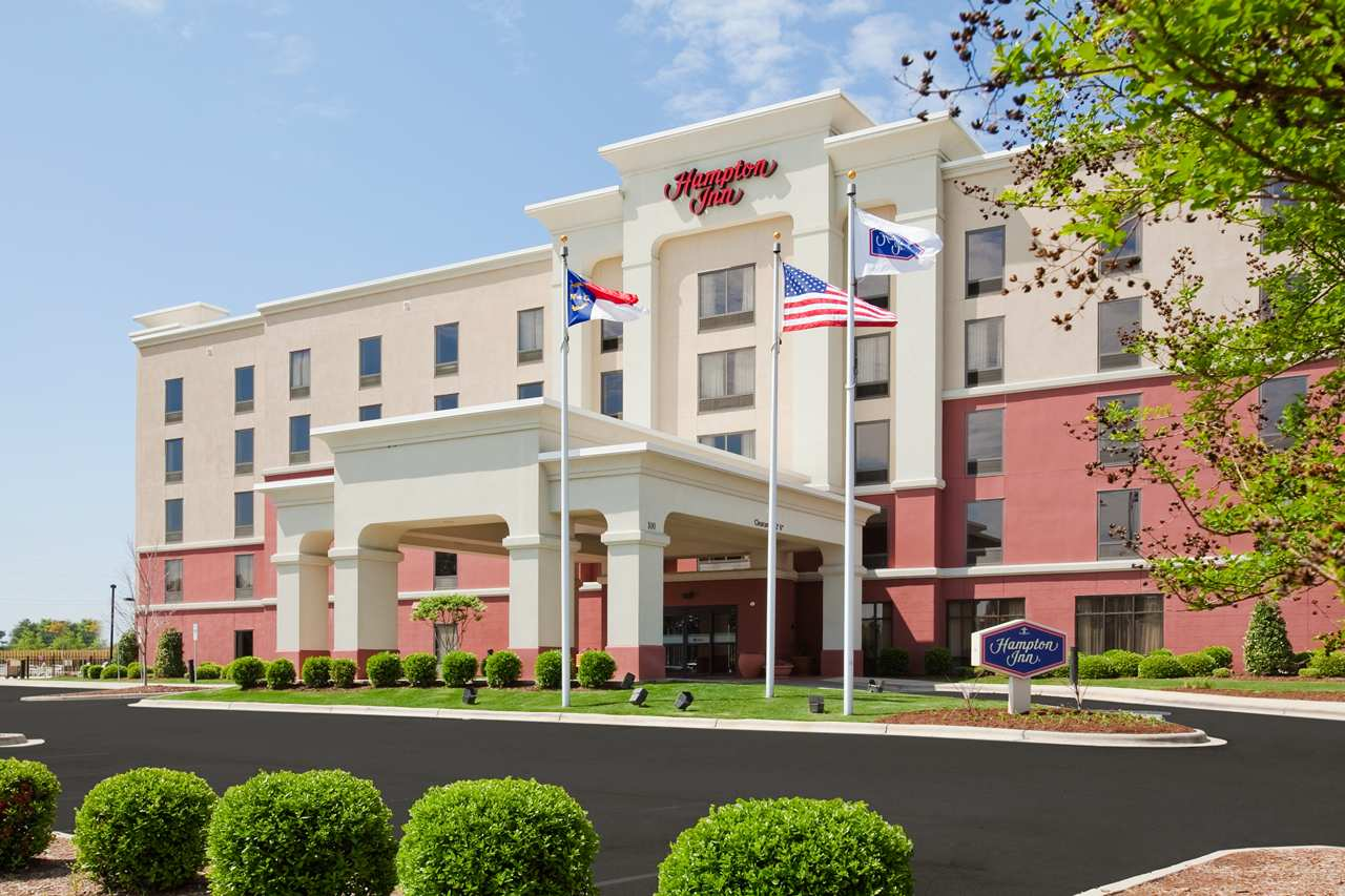 MCR Completes Exterior Renovation at Hampton Inn by Hilton in Charlotte, North Carolina  Copy